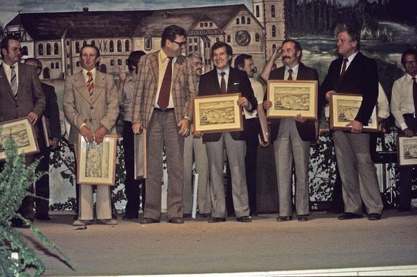 Ehrungen der Organisatoren bei der 1200Jahrfeier 1980