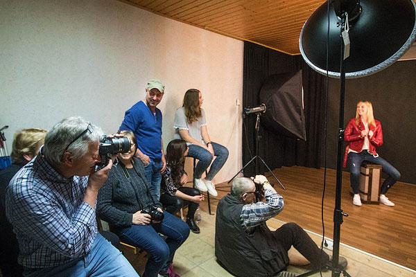 Beim Foto-Shooting am 27.3.2017 im eigenen Studio waren alle mit Spass bei der Sache.