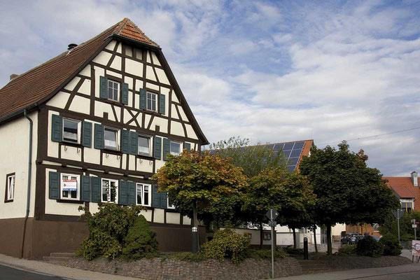 """Fachwerk in der Schulzenstraße - das ehemalige """"Bierhaus""""."""