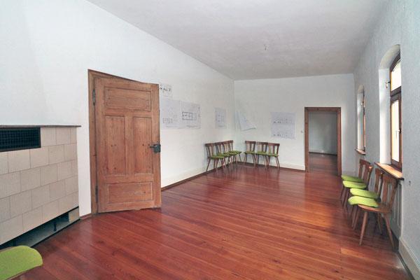Diesen Raum mit den Maßen ca. 4x8 m. sollen der PWV und der Fotoclub gemeinsam nutzen. In dem Nebenraum ist eine Damentoilette und ein Stuhllager vorgesehen.