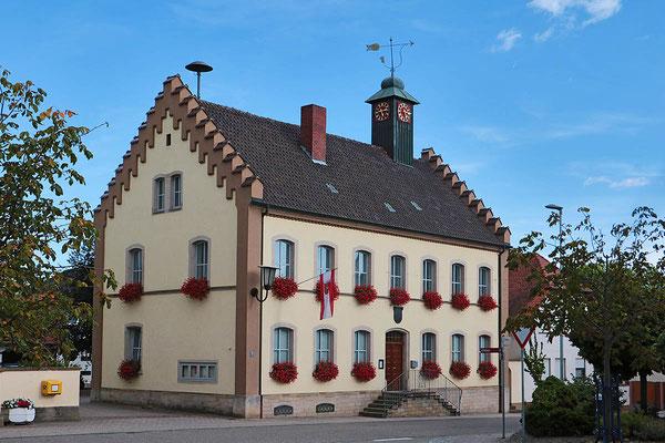 Das Gemeindehaus in der Ortsmitte.