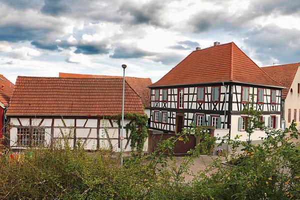 """Das ehemalige Gasthaus """"Zum Löwen"""" in der Kirchstraße."""
