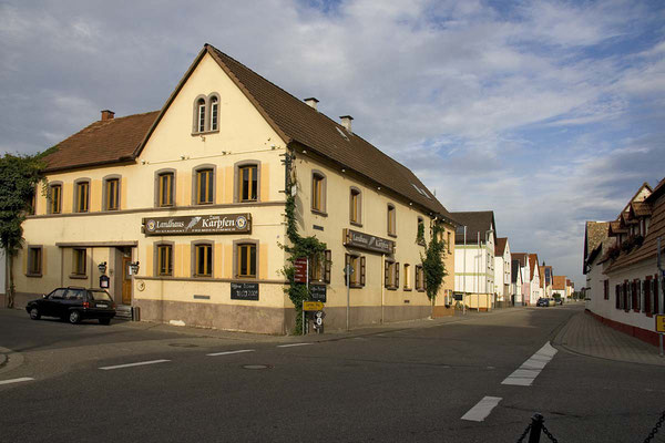 Ecke Bellheimerstraße - Wörthstraße.