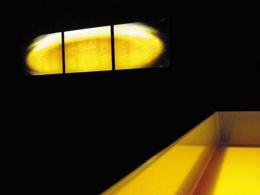 """""""Gold Triptychon"""" und """"Honigtisch"""" 2007, Installation Ortung V, Schwabach"""