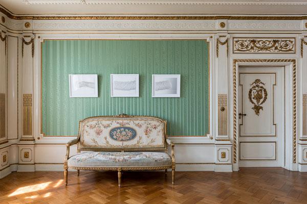 Musikzimmer im Schloss Ratibor, Triptychon Gläsern (aus der Weißen Serie), Foto: Gerhard Schlötzer
