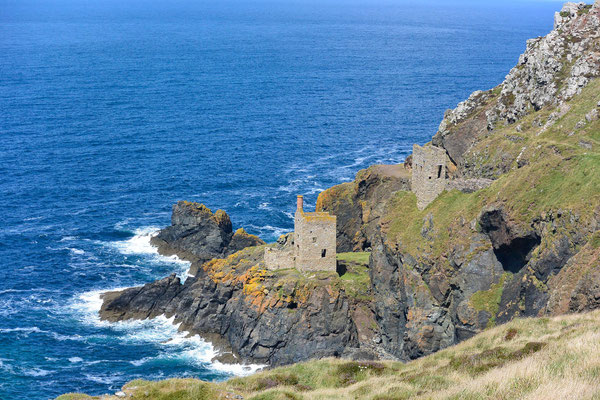 Botallack Mine, St. Just      http://www.cornish-mining.org.uk/areas-places-activities/botallack-count-house