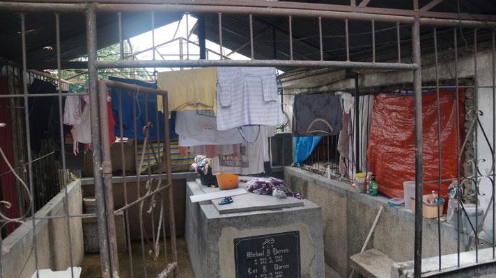 """Familien leben in """"Cemetries"""" – Friedhöfen in der Stadt Cebu – 5.2.19"""