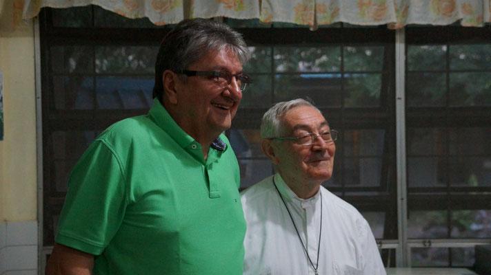 Guanelli Zentrum mit dem norditalienischen Pater Mauro für körperlich und geistig Behinderte