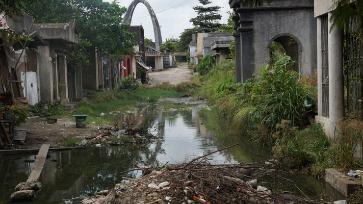 Leben auf dem Friedhof in Cebu - 5.2.19