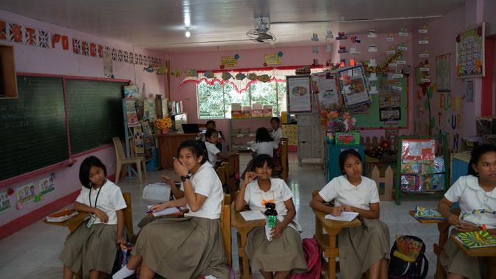 Cavite Bukid Kabataan-Einrichtung mit Schule körperlich misshandelter und missbrauchter Mädchen, die dort wohnen und zur Schule gehen – auch von unserer Stiftung unterstützt