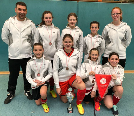 D-Juniorinnen 2017/2018   1.Platz Futsalhallenmeisterschaft am 03.02.18 in Lorsch