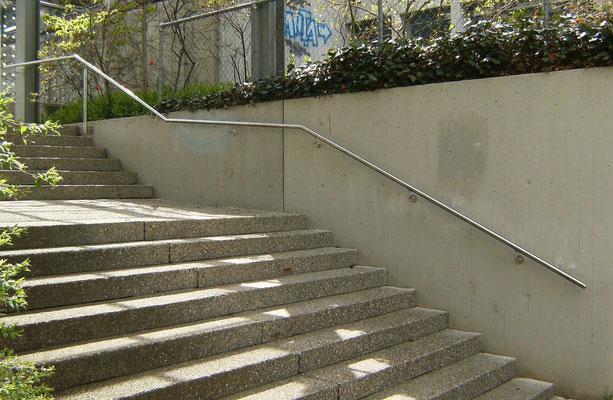 Treppenhandlauf aus Chromstahlrohr 42mm
