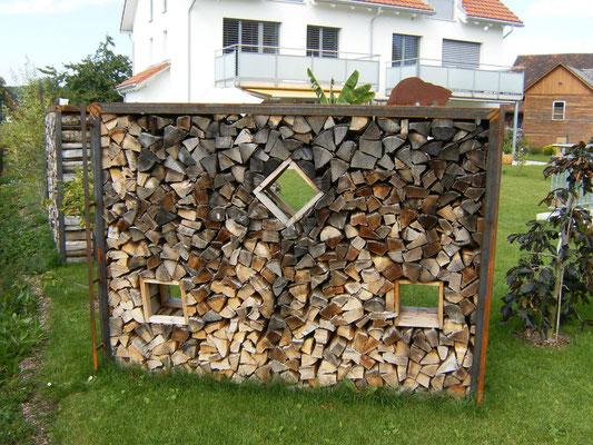 Winkelgestell zum befüllen mit Holz