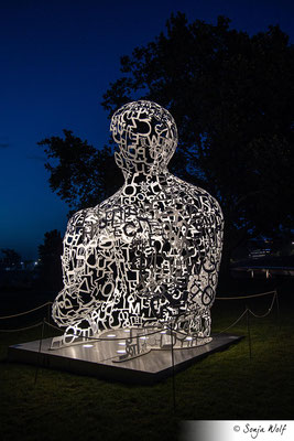 WE von Jaume Plensa