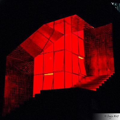 Bühnenbild Medea - rot