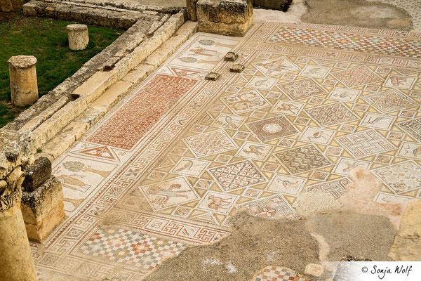 Mosaik in der Ruine der St.-Cosmas-St.Damian-Kirche