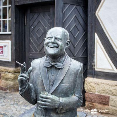 Skulptur vor dem Weinbaumuseum