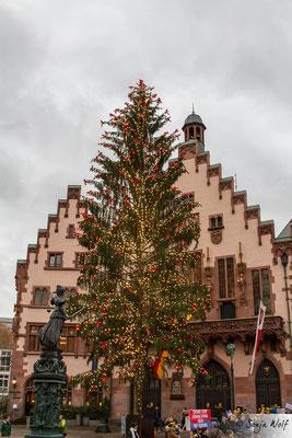 Weihnachtsbaum vor dem Römer