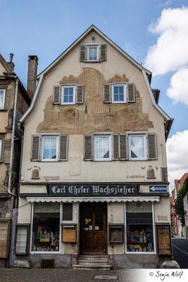 Bemalte Fassade Wachszieherei