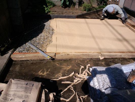真砂土を施工中