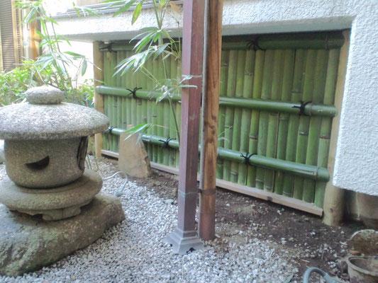 出窓下の銀閣寺垣