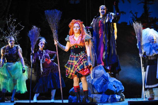 die kleine hexe -theater lübeck