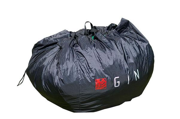 Rucksack mit Schnellpacksack in einem