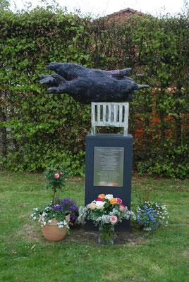 Mahnmal für getötete Kinder von Zwangsarbeiterfrauen, Otterndorf, Niedersachsen, 2009