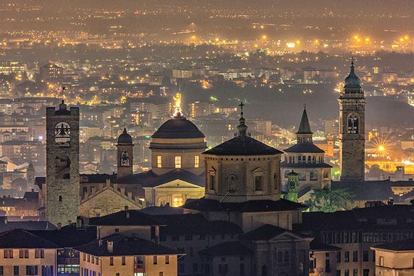 Casa San Giorgio Holiday House - Bedroom Holiday House AIR BNB Bed Breakfast Bergamo Pavia Milan Iseo Como Mantova Verona Garda