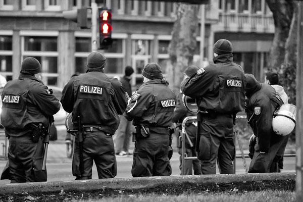 Einsatz der Polizeihundertschaft