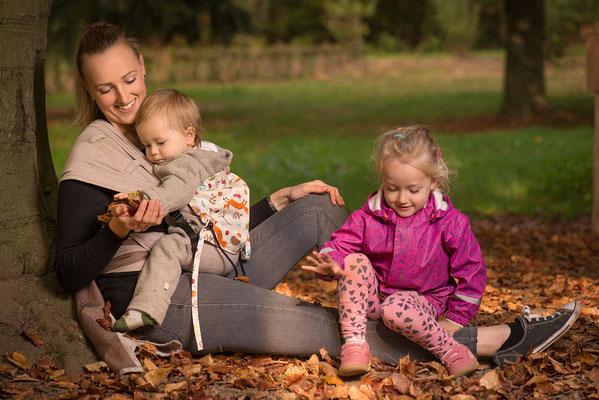 Huckepack Wrap Tai Babytrage mit auffächerbaren Trägern