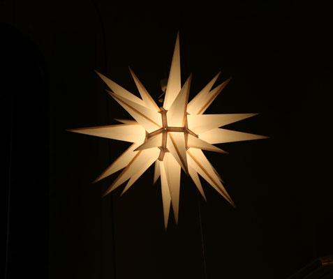 Herrnhuter Stern an Weihnachten