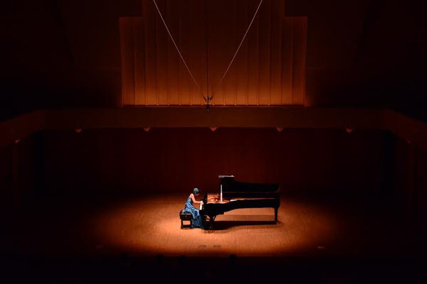 Philia Hall (Japan) Recital September 2014 Photo by Suzu Niiyama
