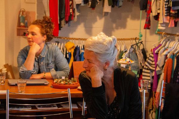 Leseclub mit Isabelle Lehn (Autorin) und Isabel Bogdan (Moderation), Foto: Nico Scagliarini
