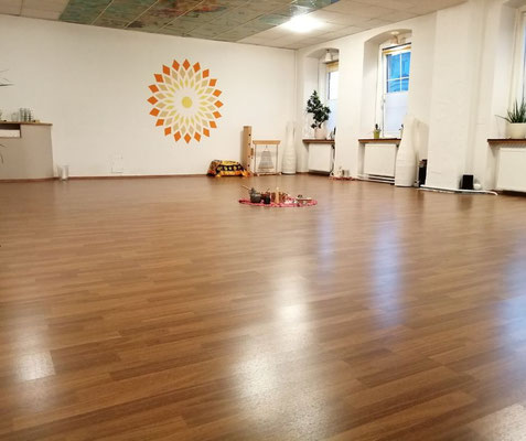 yoga-gruppen-raum