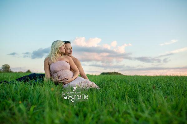Babybauch Fotografie Schwangerschaft Zwickau Familienshooting Kinderbilder Fotograf Daniela Rettke Hebamme Lichtbildkünstlerei Lichtbildkuenstlerei