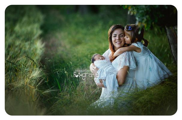 Familienfotos,Familienbilder,Geschwisterbilder,Zwickau,Chemnitz,Gera,Familienfotograf,Lichtbildkuenstlerei,Fotografie,Babyshooting,Familienshooting