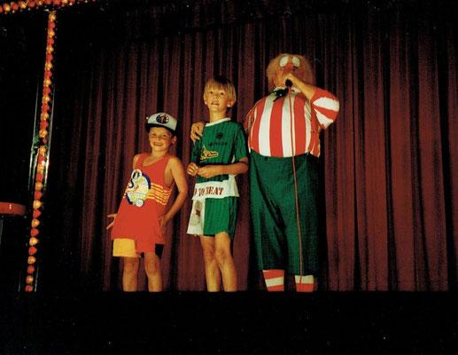 Hugo van der Klip was jarig tijdens de voorstelling in 1997.