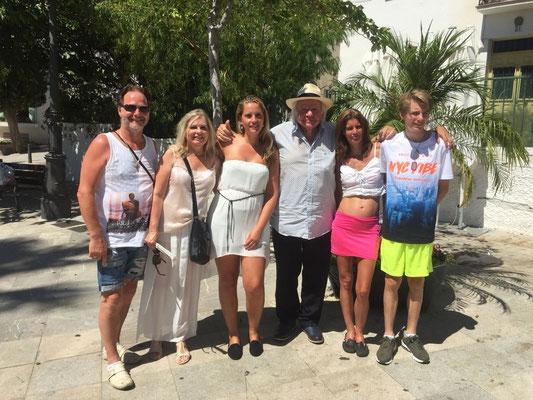 De familie Bonhof met Adriaan op 14 augustus met Adriaan in Benalmàdena.