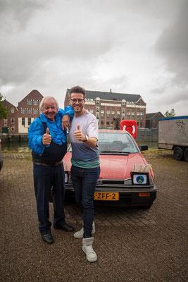 Ben Prins met zijn eigen Honda Prelude bij 'Bassie & Adriaan - Voor Alle Fans' in 2017.