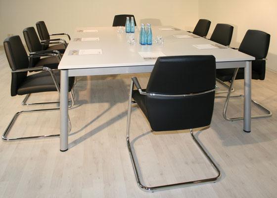 Klassische Arbeitstischanlage