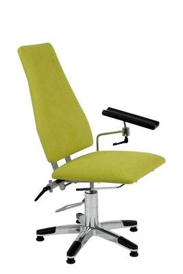 Behandlungsstuhl - höhenverstellbar und rückenneigbar durch Fußbetätigung