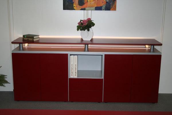 Flachstrecke in einem Konferenzraum mit LED Beleuchtung
