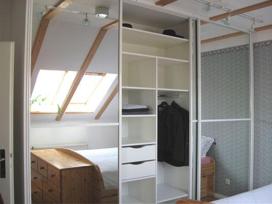 Schlafzimmerschrank mit Gleittüren (Füllung Glas + Spiegel)