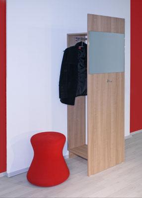 Garderobe mit Sichtschutz und Frontspiegel