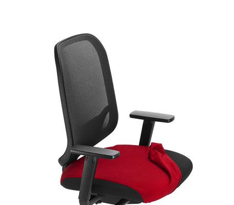 Hochwertiger preisgünstiger Markenstuhl mit Netzrücken – mit anknöpfbaren Sitzbezug in vielen Farben lieferbar