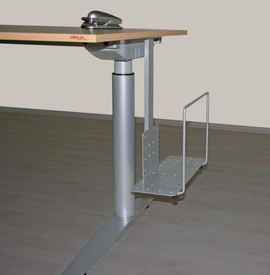 Höhenverstellbare Tischanlage mit CPU Halter
