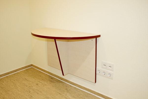 Ablage und Beratungstisch (Wandmontage klappbar)