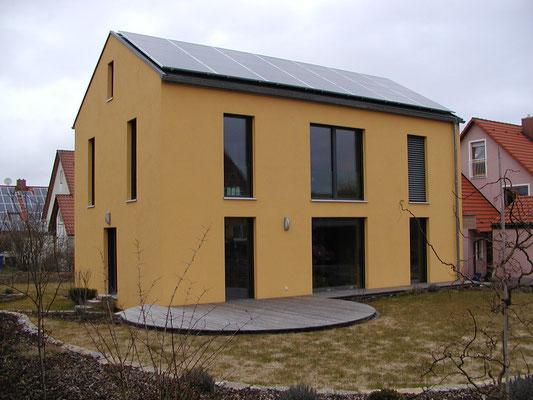Passivhaus Kürnach- Südwest-Ansicht mit Terrasse