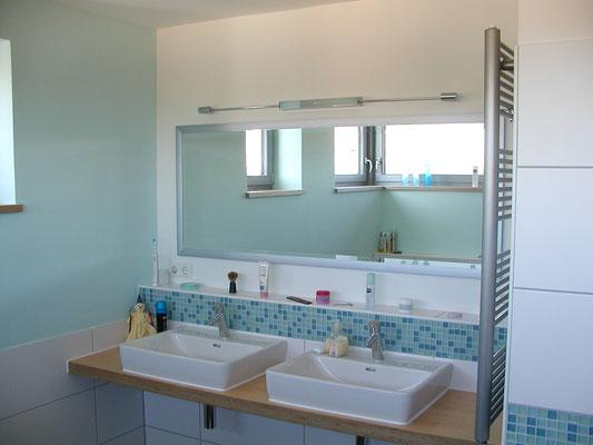 Effizienzhaus Obernbreit- Detail Bad mit Aufsatzwaschtischen